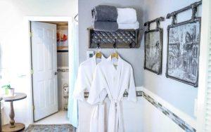 Wanderlust Suite Bathroom